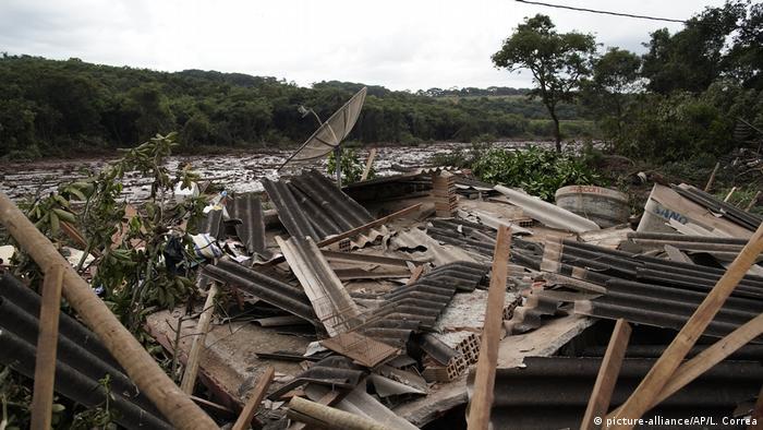 Destruição após desastre em Brumadinho
