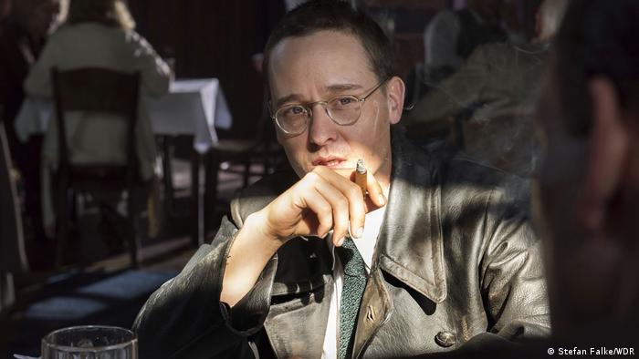 Ator Tom Schilling representa Brecht em minissérie alemã
