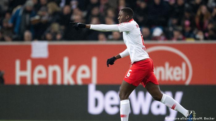 Fußball Bundesliga | 19. Spieltag | Fortuna Düsseldorf - RB Leipzig | Jubel (0:2) (picture-alliance/dpa/M. Becker)