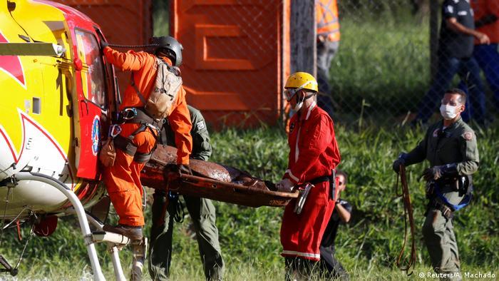 Resgate de vítima de desastre de Brumadinho