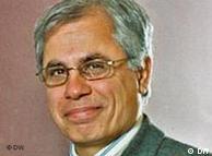 احمد علوی میگوید غرب بر آن است که تحریمها را وسیعتر کند و نه عمیقتر