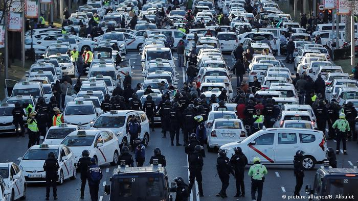 Taxis blocking the Paseo de la Castellana Boulevard in an anti-Uber protest