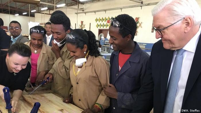 Äthiopien Bundespräsident Steinmeier besucht einen Berufskolleg in Addis Abeba