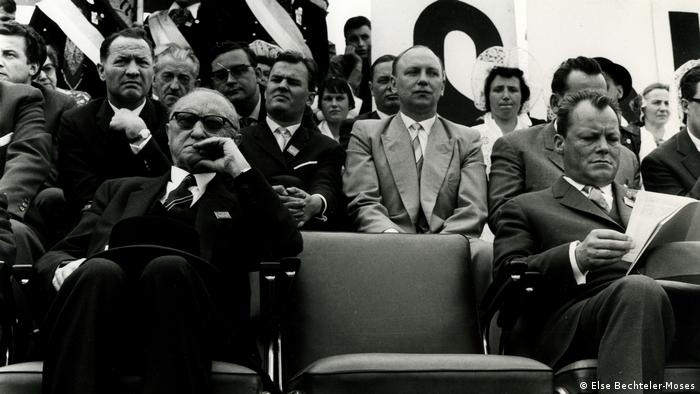 Stefan Moses exhibition with picture of Adenauer and Brandt (Else Bechteler-Moses)