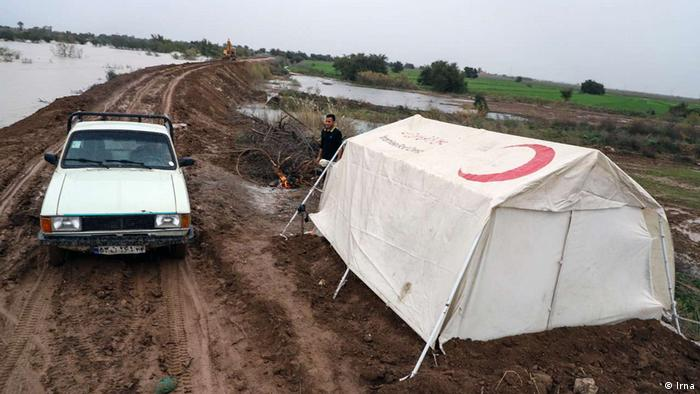 همزمان با خوزستان در ۱۱ استان ایران سیل و طوفان و برف و کولاک آمد. رئیس سازمان امداد و نجات هلال احمر گفت که این سازمان ظرف دو روز در ۸۹ شهر، روستا و محور کوهستانی امدادرسانی کرده است.
