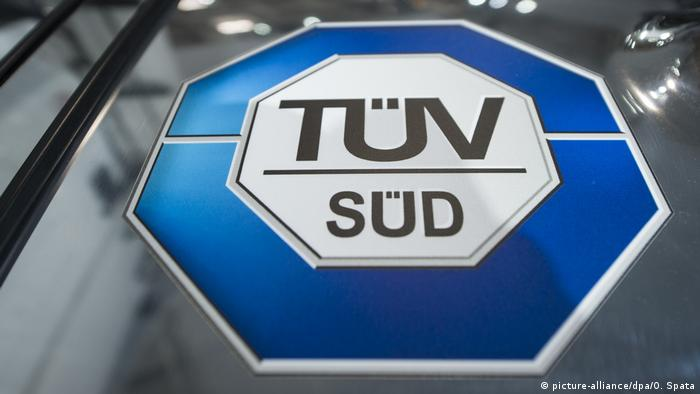 TÜV Süd (picture-alliance/dpa/O. Spata)