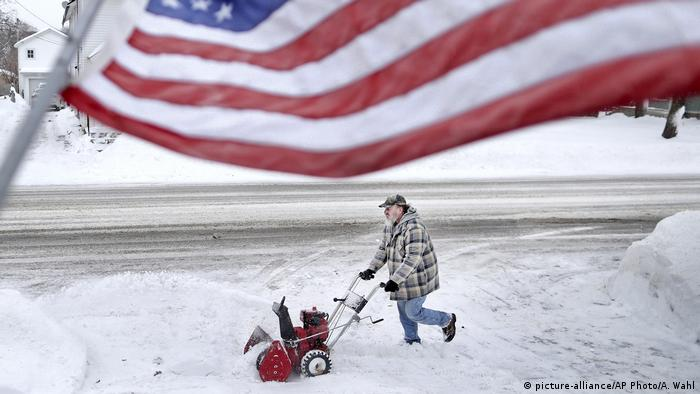 USA Winterwetter in Janesville Wisconsin (picture-alliance/AP Photo/A. Wahl)