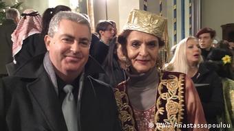 Ο Κώστας Κονδύλης από την ελληνική χορωδία και η Ελένα Ούρμεεβ από τη γερμανική