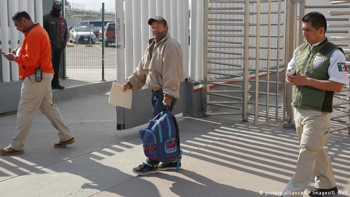 Mexiko Tijuana Asylbewerber Carlos Gomez muss USA verlassen
