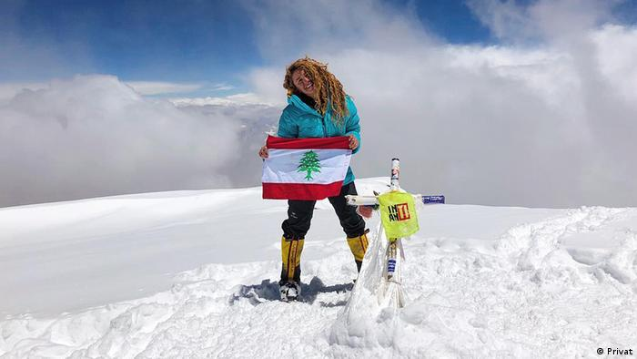 Fatima Deryan en la cima del Aconcagua.