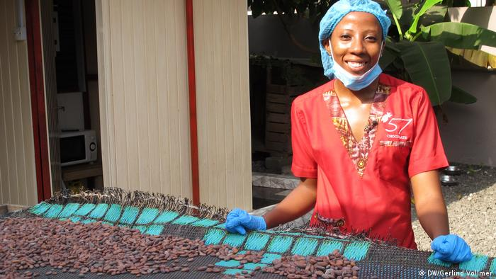 A female worker at a cocoa productionplant in Ghana
