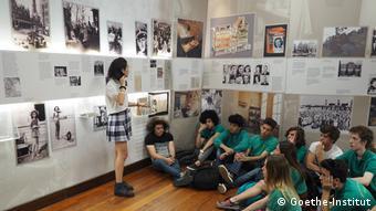 """Besuch der """"Deutschen Schule Moreno"""" im Anne Frank Museum, Buenos Aires, Argentinien"""