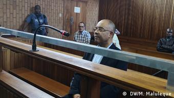 Südafrika Ehemaliger Finanzminister aus Mosambik, Manuel Chang, vor Gericht ( DW/M. Maluleque)