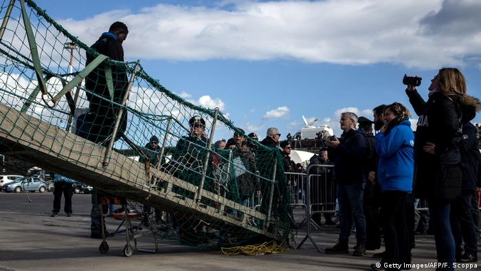 Migrants disembark from Sea-Watch 3 ship in Catania, Italy (Getty Images/AFP/F. Scoppa)