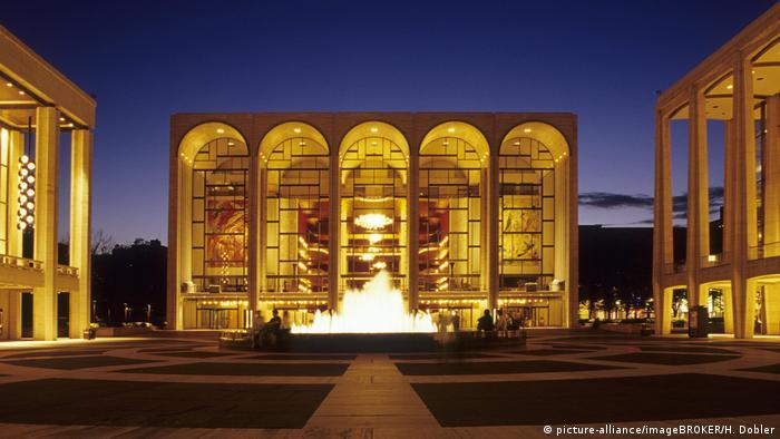 Faszination Oper   Opernhaus Lincoln Center, Manhattan (picture-alliance/imageBROKER/H. Dobler)