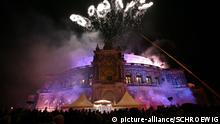 Faszination Oper   Uebersicht, aussen, Feuerwerk Opernball in der Dresdener Semperoper