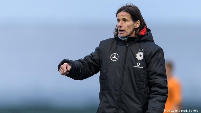 Bundestrainerin Bettina Wiegmann (Getty Images/J. Schüler)