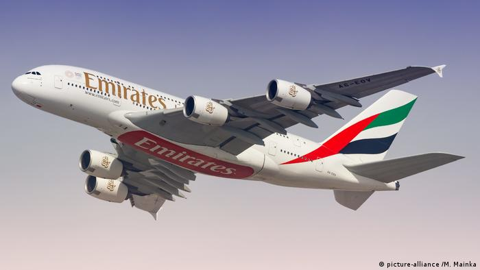 An Emirates Airbus A380 (picture-alliance /M. Mainka)