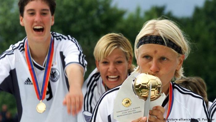 Fußball Frauen Spielerin Doris Fitschen (picture-alliance/dpa/S. Puchner)