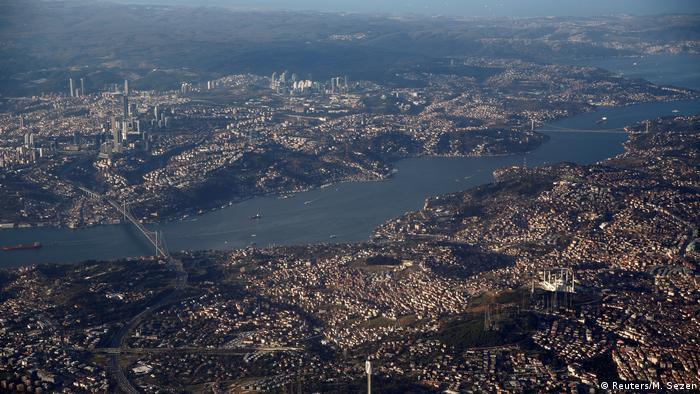 İstanbul'un kuş bakışı görüntüsü (Arşiv foto)