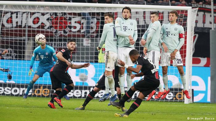 Deutschland Bundesliga Bayer Leverkusen - Bayern München   Leon Bailey