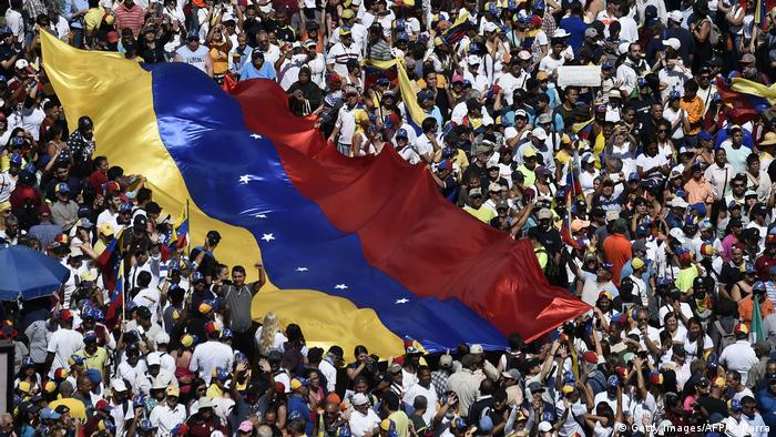 Venezuela Protest & Demonstration gegen Nicolas Maduro in Caracas (Getty Images/AFP/F. Parra)