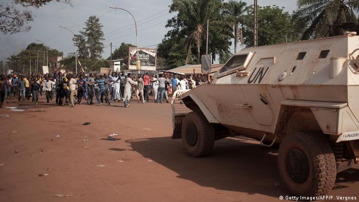 A UN tank pictured on a road in Bangui | Demonstration & MINUSCA-Hauptquartier