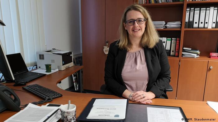 Nicole Reschke, the mayor of Freudenberg, speaks with DW