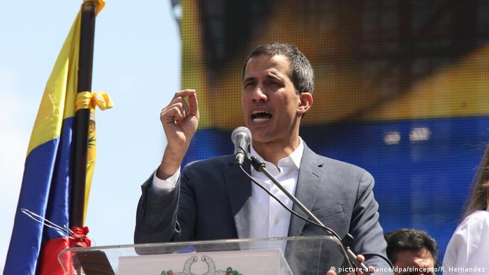 Британия, Испания и Швеция признали Гуайдо временным президентом Венесуэлы