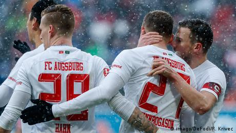 Deutschland Bundesliga FC Augsburg gegen Mainz 05 | Jubel Finnbogason (imago/DeFodi/R. Krivec)