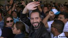 Presidential candidate Nayib Bukele of the Great National Alliance (GANA) waves before casting his vote in a presidential election in San Salvador, El Salvador, February 3, 2019. REUTERS/ Victor Pena NO RESALES. NO ARCHIVES.