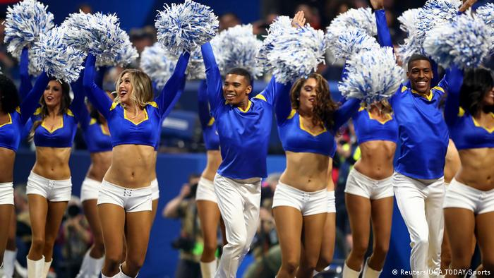 NFL: Super Bowl LIII-New England Patriots vs Los Angeles Rams Cheerleader (Reuters/USA TODAY Sports)