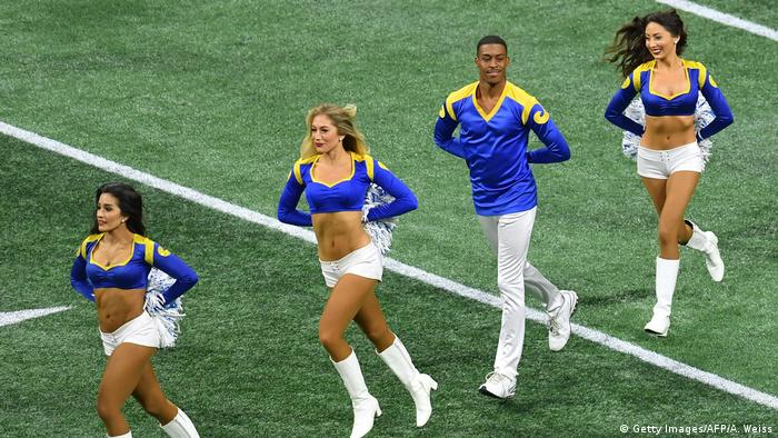 Football männliche Cheerleader Los Angeles Rams (Getty Images/AFP/A. Weiss)