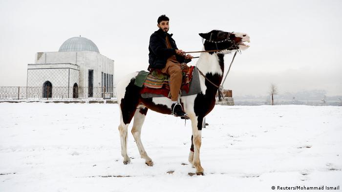 Remaja Afghanistan skeptis masa depan bersama Taliban (Reuters/Mohammad Ismail)