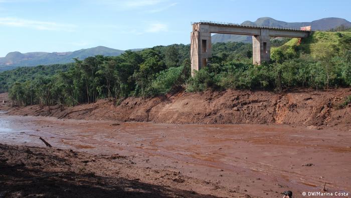 Rio de lama: o nível de oxigênio varia de zero a três miligramas por litro, insuficiente para peixes