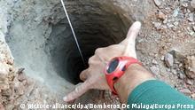 Spanien Rettungsaktion in Totalan   Kind in Brunnen gestürzt