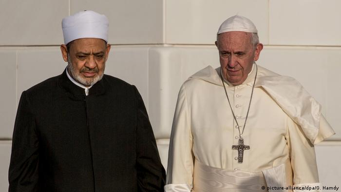 Pope Francis in Abu Dhabi (picture-alliance/dpa/G. Hamdy)