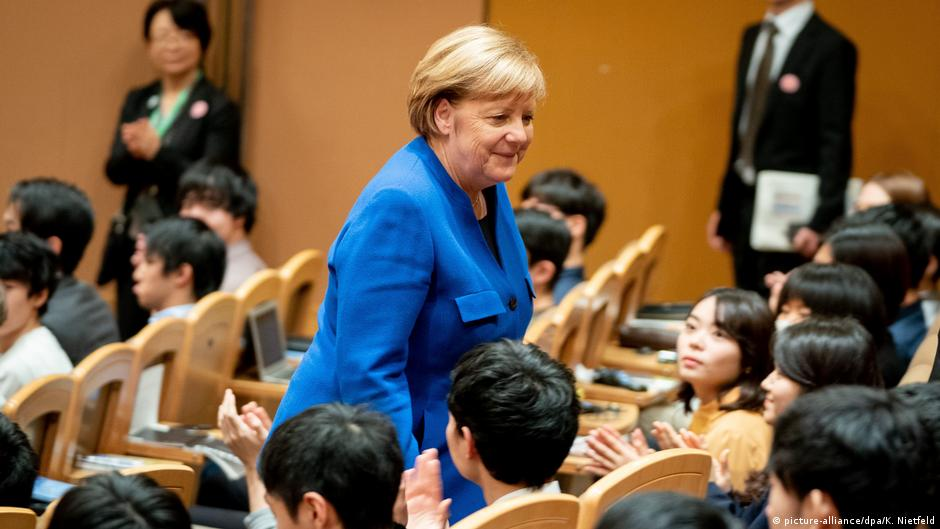 In Japan, Angela Merkel warns against treating North Korea naively | DW | 05.02.2019