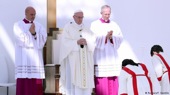 VAE Papst Franziskus - Messe in Abu Dhabi