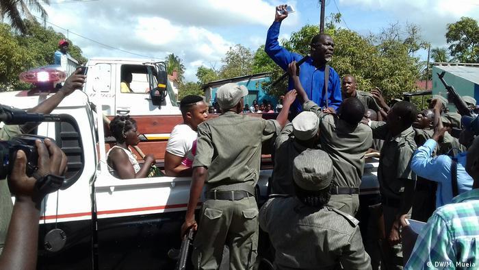 Protest Solidarität Bürgermeister Quelimane Mosambik