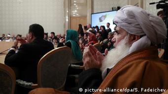 Russland Moskau | Treffen von Politikern aus Afghanistan mit Taliban-Vertretern (picture-alliance/dpa/S. Fadeichev)