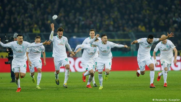 Fussball DFB Pokal   Borussia Dortmund SV Werder Bremen (Reuters/L. Kuegeler)