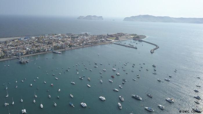 Peru Callao Hafen (DW/C. Chimoy)