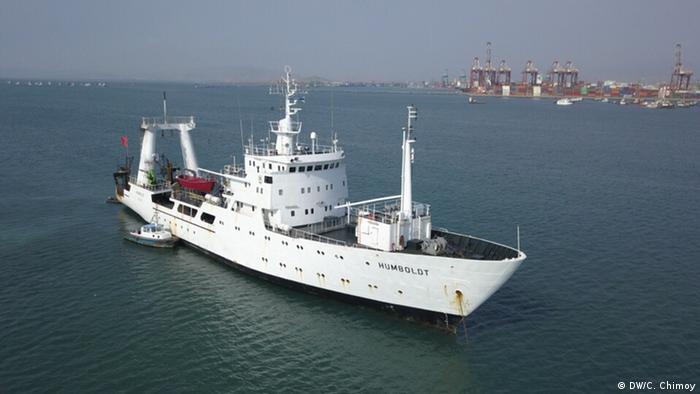 Peru Humboldt-Schiff (DW/C. Chimoy)