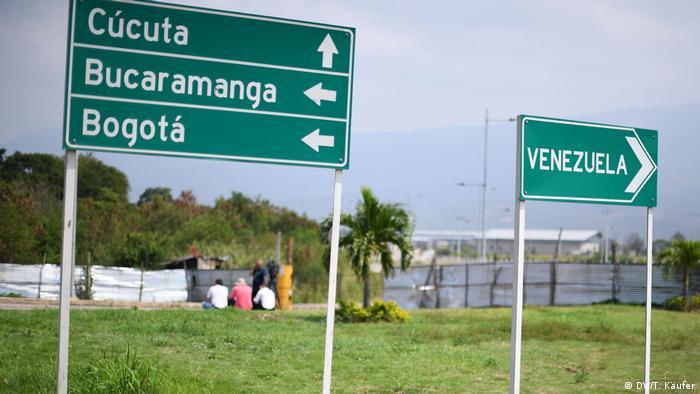 Tempo parado na fronteira entre Venezuela e Colômbia
