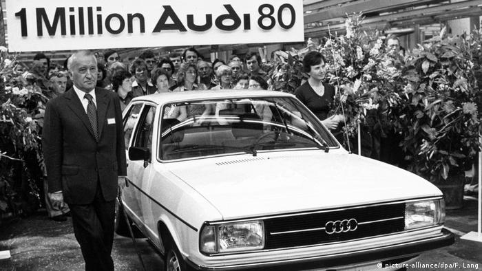 آئودی از سال ۱۹۸۲ به بعد چندین شگفتی آیرودینامیک ارائه کرد. ضریب پسار آئودی ۱۰۰ سی۳ در کانال باد ۳۰, ۰بود. چهار سال بعد آئودی ۸۰ بی ۳ با ضریب پسار ۲۹, ۰ارائه شد. خودروسازی اوپل هم با مدلهای اومگا و کالیبرا موفق شد خودروهایی با ضریب پسار ۲۸, ۰ و ۲۶, ۰ ارائه کند. متخصصین دهه هشتاد میلادی در قرن گذشته را دهه آیرودینامیک در صنعت خودروسازی نامگذاری کردهاند.