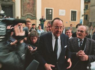 Genscher u Pragu 30.9.1989.