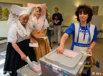 Wählerinnen im brandenburgischen Spreewald (Foto: dpa)
