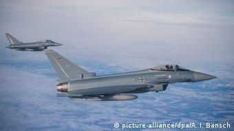 Symbolbild | Deutschland | Militär (picture-alliance/dpa/A. I. Bänsch)