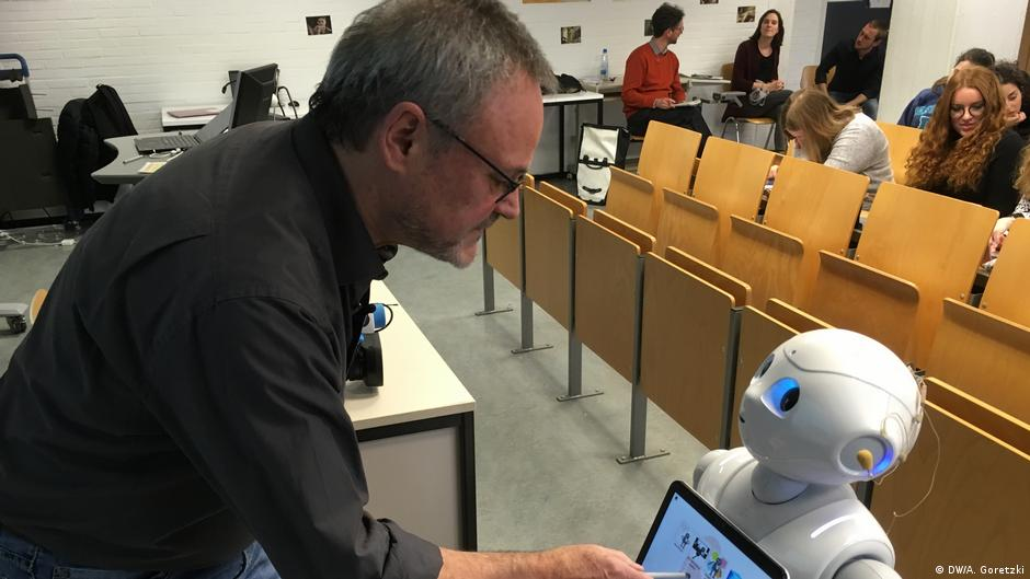 Reporter - Meet Germany's First Robot Lecturer